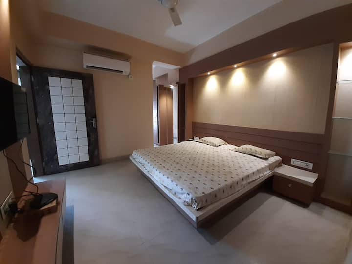 Genesis Home - Large Private Apartment in GS Road