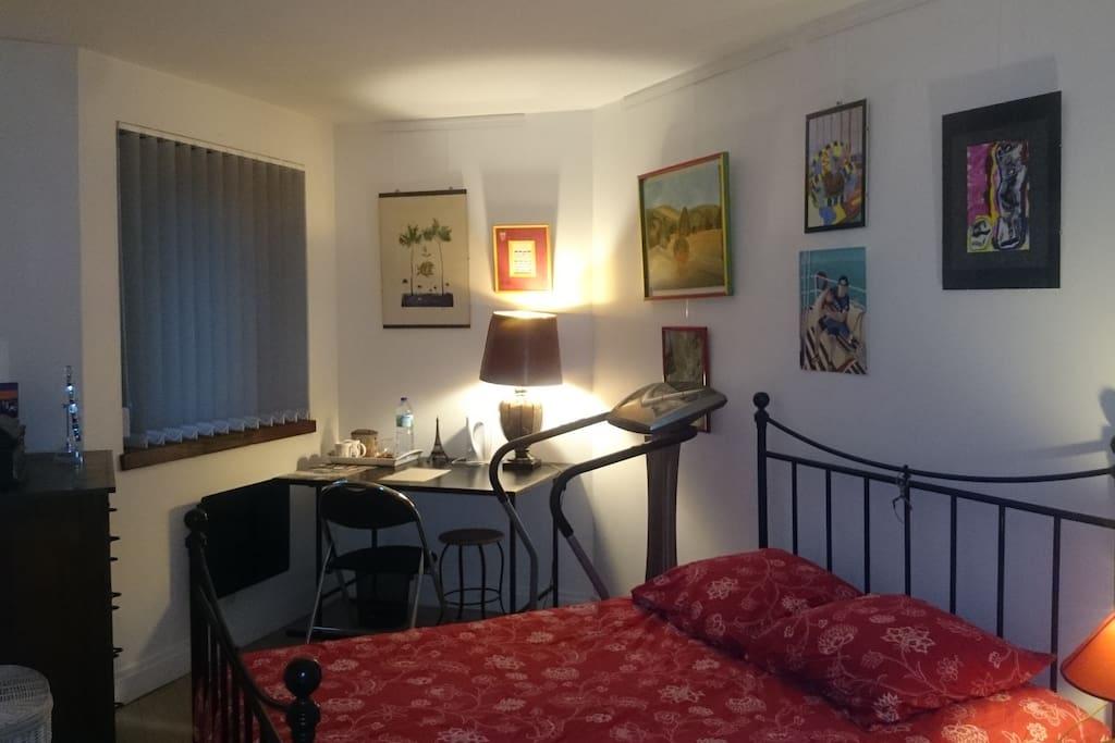 Chambre proche du sacr coeur appartements louer for Louer chambre sans fenetre