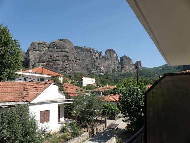 Central double room a breath away from Monasteries