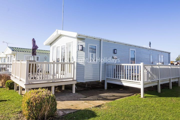 Stunning dog friendly Lodge at Manor park, Hunstanton in Norfolk ref 23188K