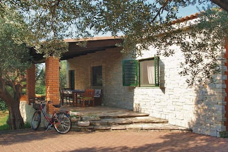 Romantic olive house - Skradin