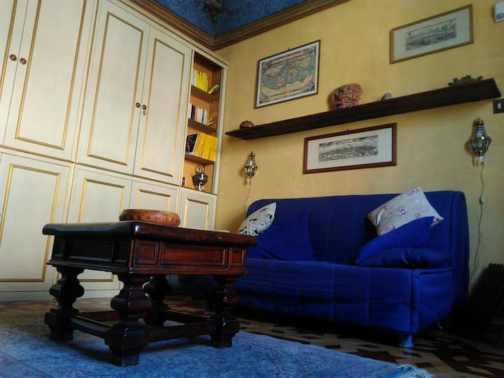 Old Style One Bedroom Flat in Caraglio