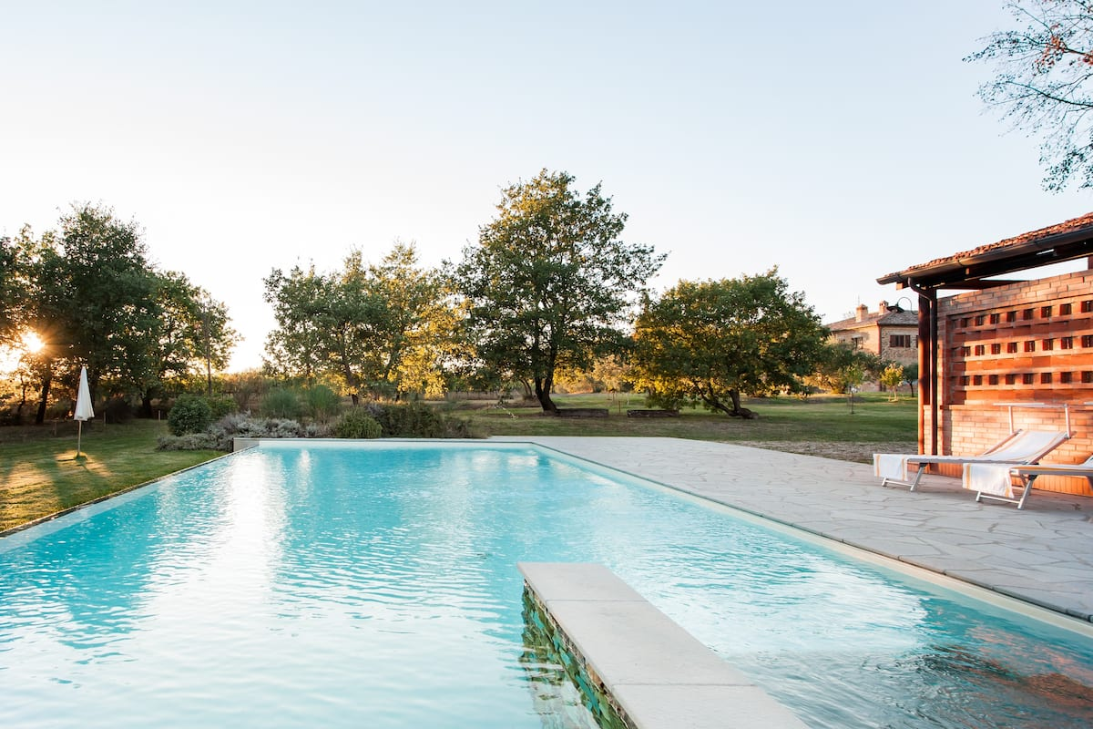 Bliss out in Historic Farmhouse on Organic Wine Estate with Tennis and Pool