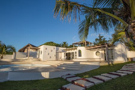 Bahia Mar Beach House - Vilanculos