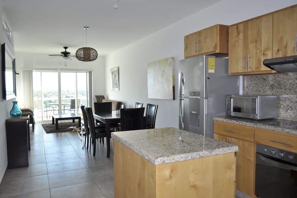 Like New Condo with great view close to the beach and Malecon.