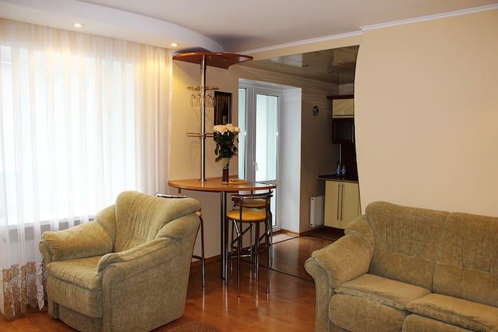 Двухкомнатная квартира на Доватора - Hrodna - Pis