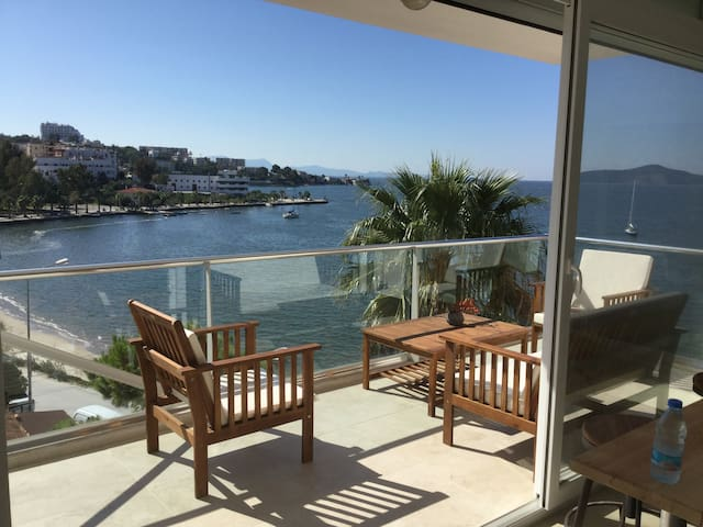 Beautiful view directly at the sea! - Güllük Belediyesi - Apartment