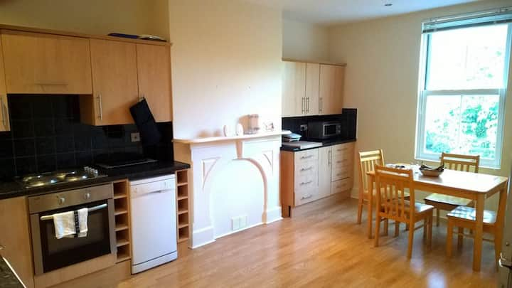 Ensuite Double Bedroom in Oxton near Liverpool