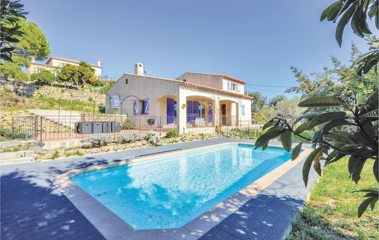 Beautiful home in Vallauris with WiFi and 5 Bedrooms