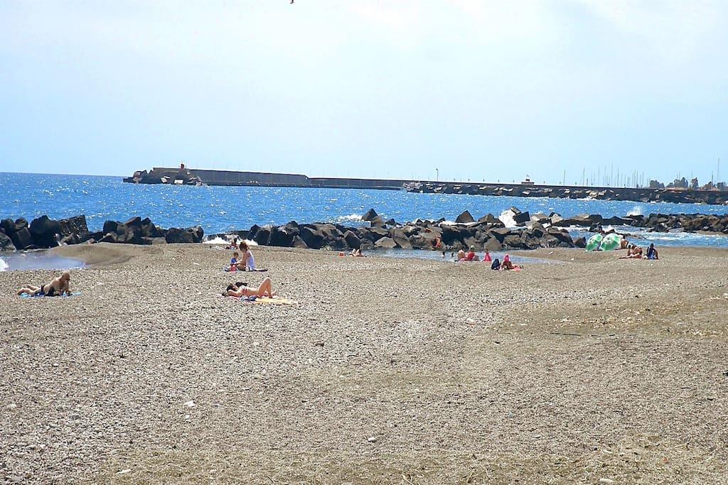 Mare spiaggia - Casa Atena Riposto porto dell' Etna - Taormina Catania