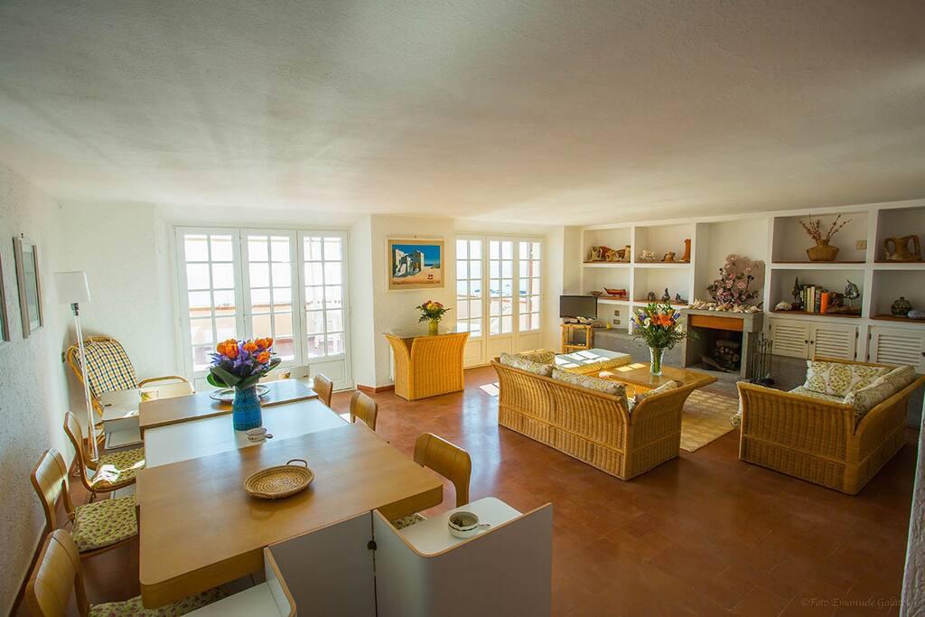 Appartamento in torretta con vista spettacolare for Appartamenti porto santo stefano