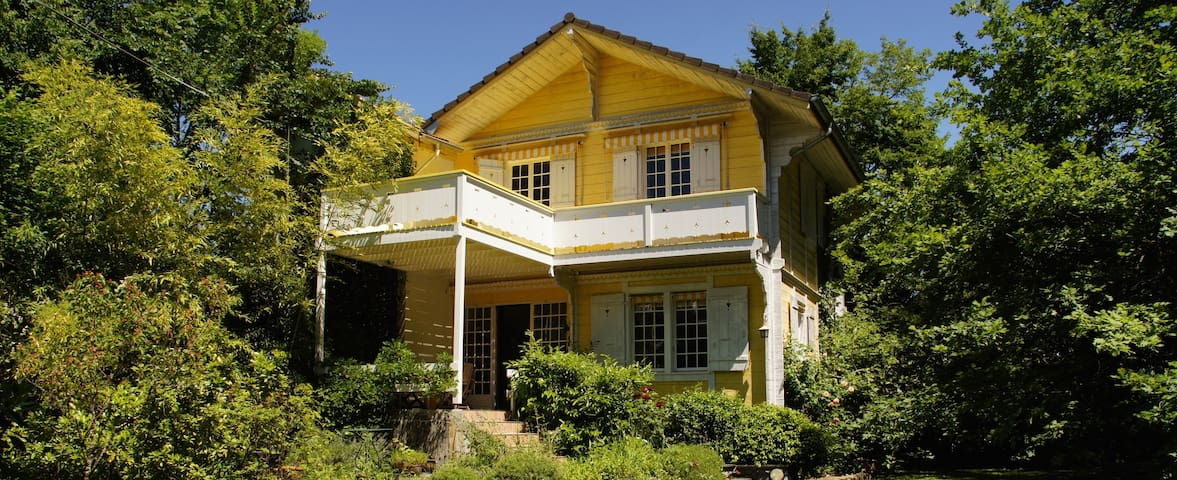 Romantic 3 bedroom house, close to lake and city - Vésenaz - Hus