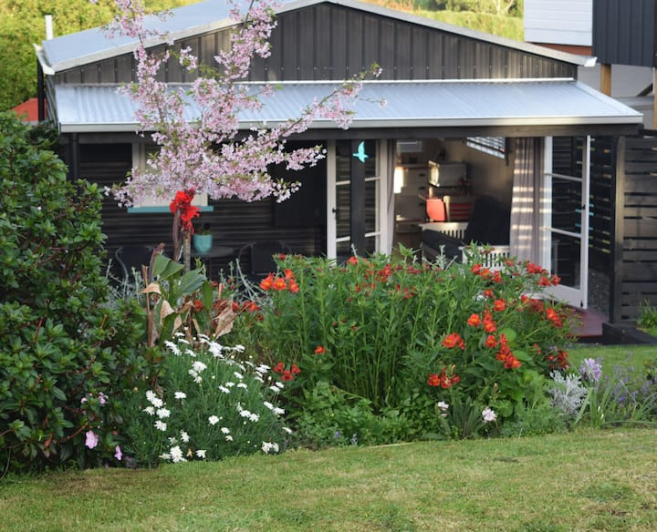 Nikau Cottage, semi-rural,close to beach/ fishing