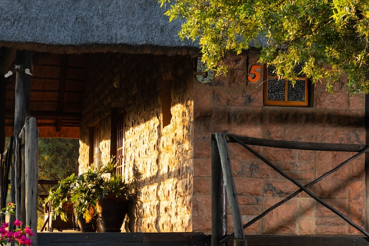 Olive Tree Farm - Deluxe Suite (Thatch)