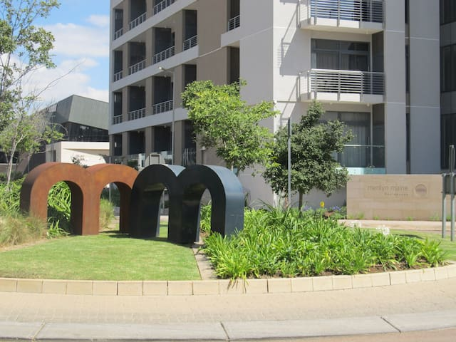 Menlyn Maine Luxury Apartment