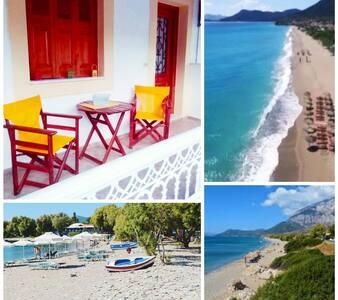 Nina studios, just 100 metres from the beach!!!