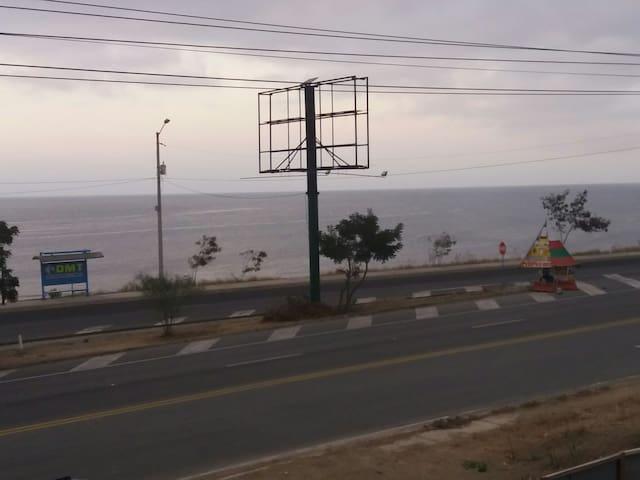 Naturaleza pura frente al mar, Camping Zone