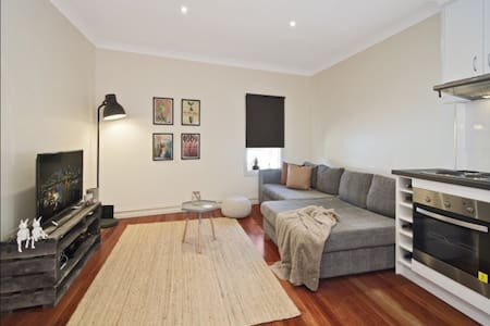 Self contained Modern Home Great Location - North Manly
