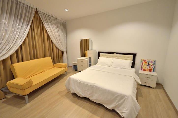 Cozy Suite 118@Island Plaza Penang