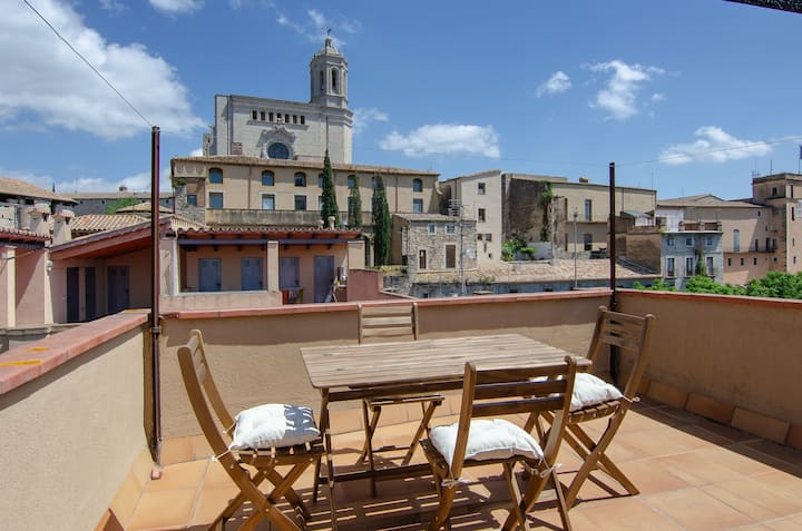 ★Spectaculars views of Girona in cozy apartment