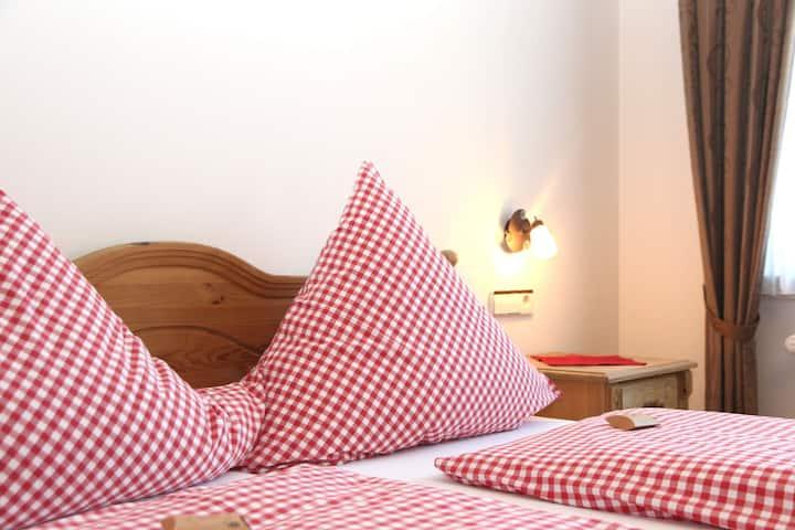 Pension Möser, (Lennestadt), Doppelzimmer Typ A mit WC und Dusche