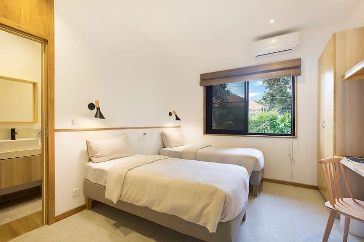 East villa - Mini Twin Bedroom 2