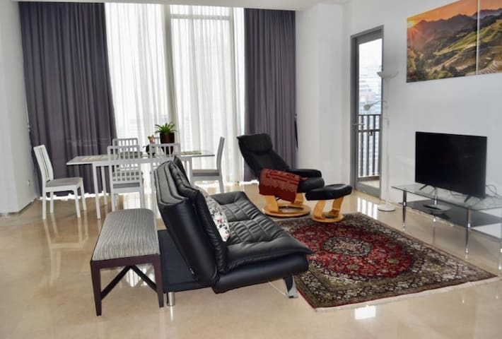 Senopati Suite apartment with executive office