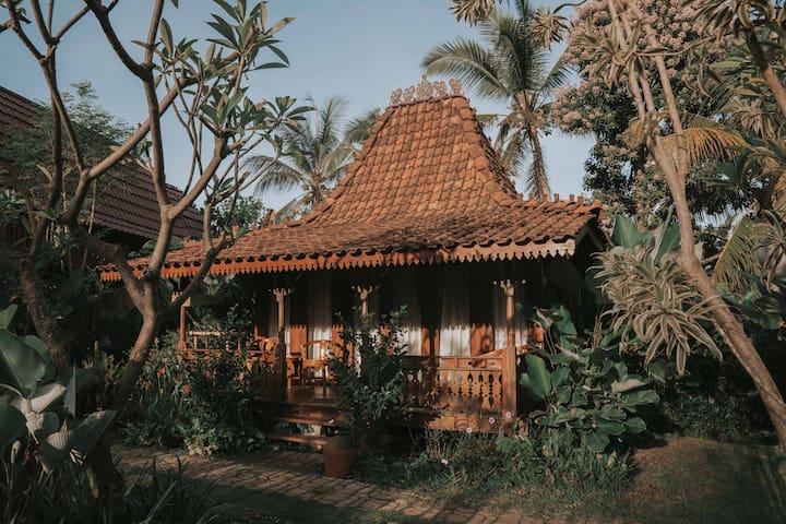 Best Eco Resort, Kusfarm Bali. Joglo Room