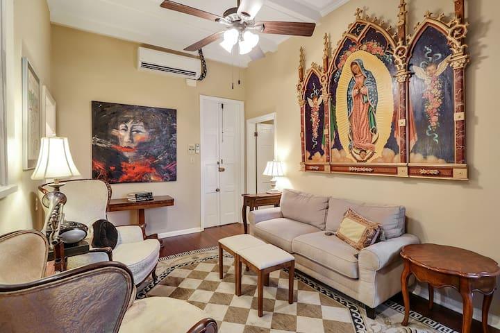 Historic French Quarter 1Bdrm Suite w/ Patio - Nueva Orleans - Apto. en complejo residencial