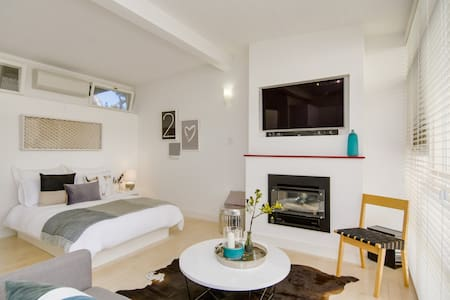 Stylish Studio Apartment in Adelaide - Hazelwood Park - Apartment