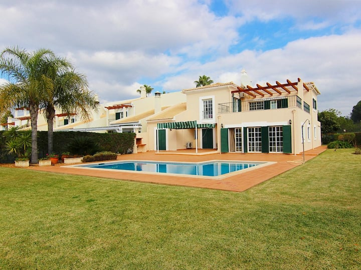 Villa Browns I - Private Pool - Luxury