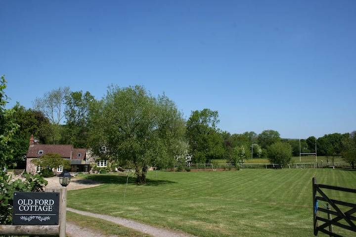 Nr Wells  great Studio apartment in lovely setting