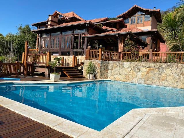 Casa no Condomínio Quinta do Lago Itaipava/RJ