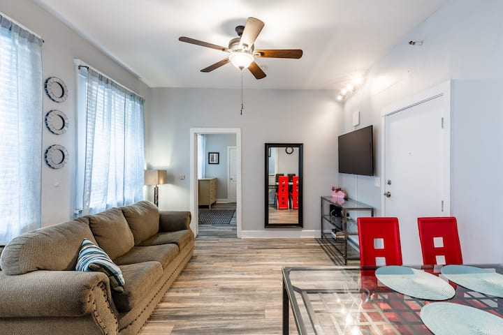 Downtown 1 Bedroom Apartment in the heart of LA