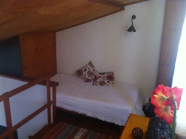 Mezannino ( extra room ) with one single bed