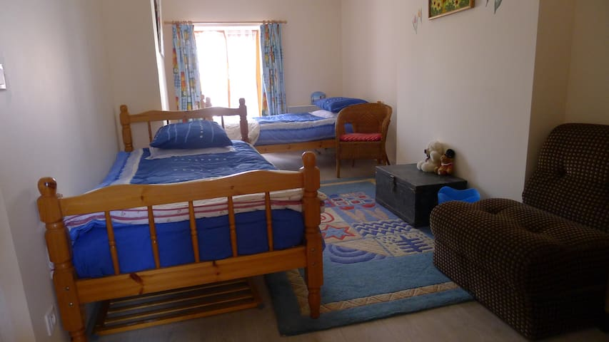 bedroom 3 - twin room (with extra fold out child bed)
