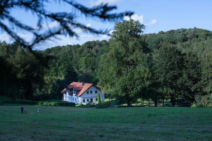 Ferienwohnung im Naturschutzgebiet & Stadtnähe