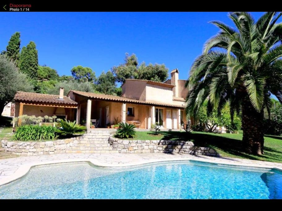 Villa avec piscine au calme houses for rent in vence for Au jardin guest house welkom
