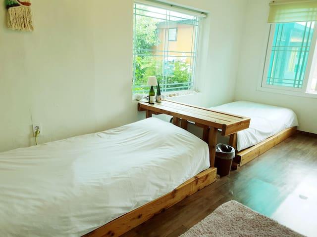 치엘로/2인실R/대평리(난드르)마을/올레8,9코스/바닷가마을/조용하고깨끗한숙소