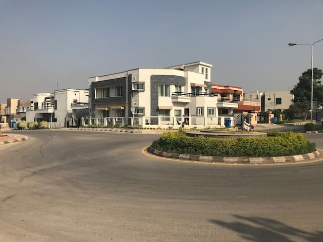 3 beds Phase 1 Bahria Town