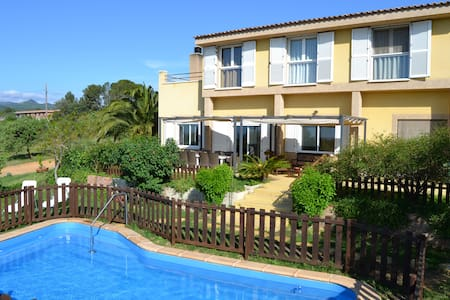 Villa with sea and montain views. - Riudecanyes