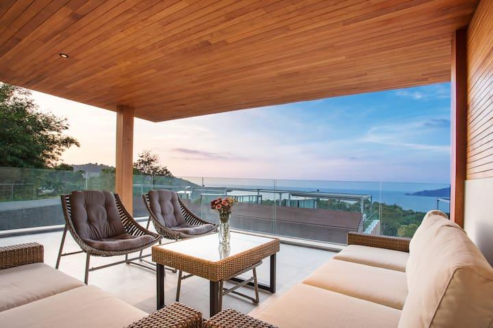 Ultra Lux 2Broom Condo, Stunning Views Patong Bay