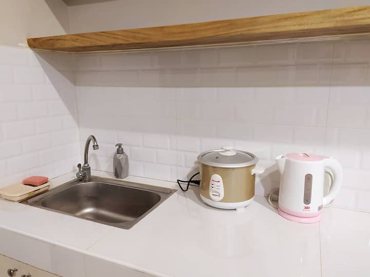 NEW Cozy Minimalist Private Apartment Unit