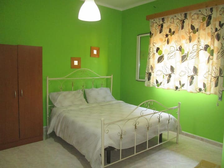Room a Casteldaccia (Pa)con cucina e bagno privato