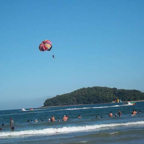 Confortável,coladinho a praia em Ubatuba!
