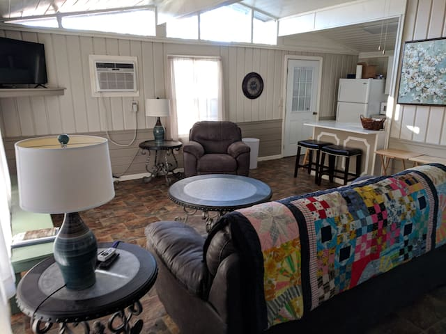 Lakeside Cottage Near Natchitoches