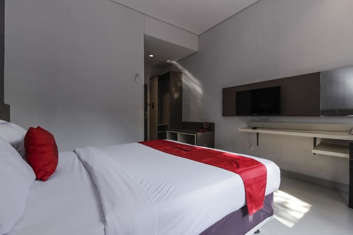 Cozy Hotel Room near Cirebon Super Block Mall