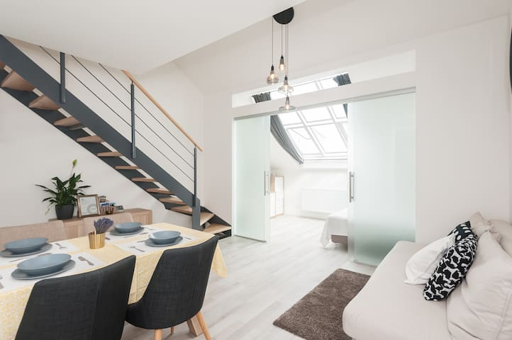 Double roomx2, bathroomx2,City Center Loft, 69sqm - Praga - Loft