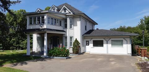 Heritage House Studio Apartment on Heritage Trail