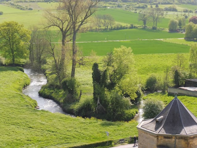 Chateau Neercanne ( 12 minutes by car): lots of beauty to discover on foot or by bike
